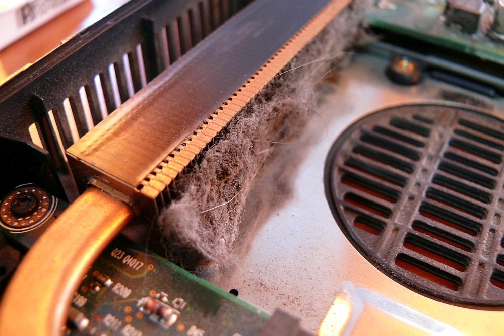 czyszczenie chłodzenia w laptopie - konserwacja
